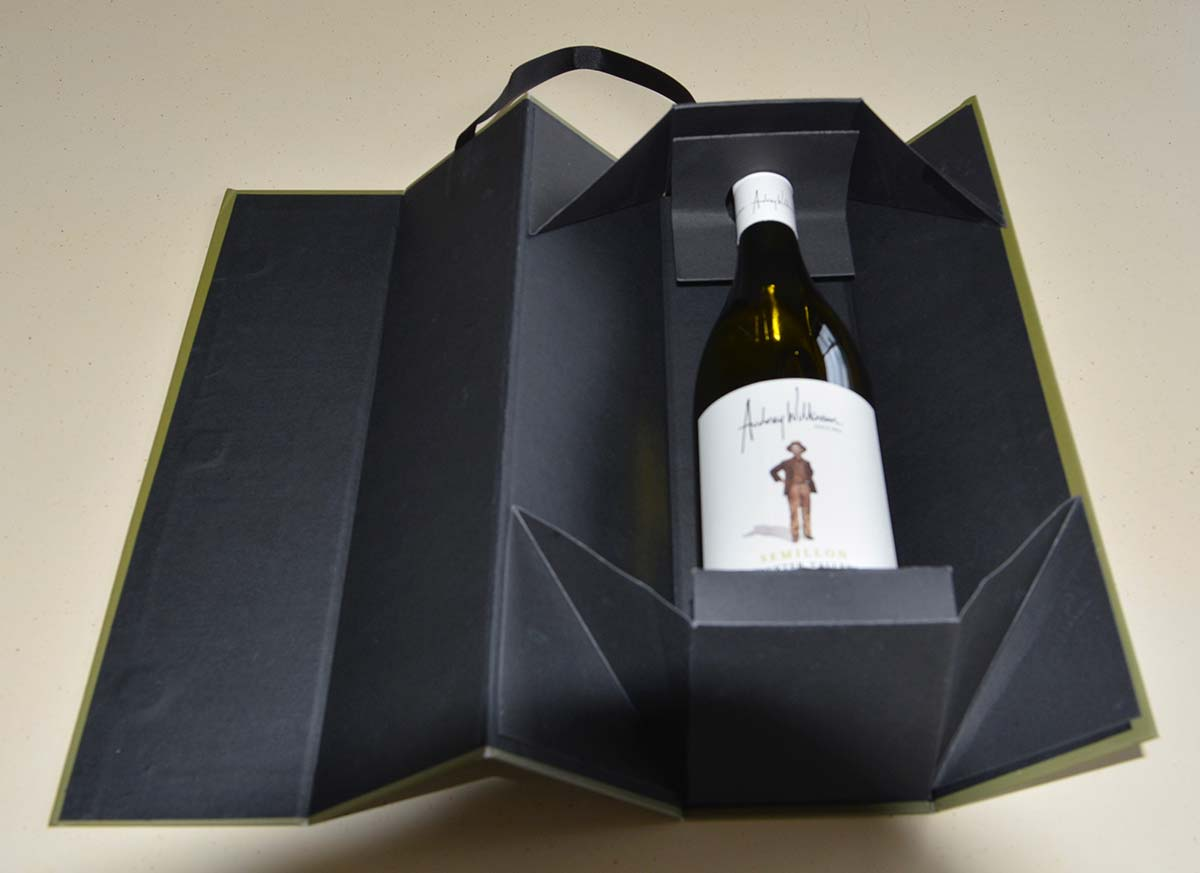 Wine-Gift-Box-Inside